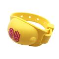 Bracelet en silicone désinfectant pour les mains rechargeable