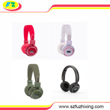 China Factory Sport Headphone Earphone with Screen