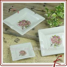 China Fábrica de cerámica de cerámica porcelana portátil Cigarrillo Cenicero