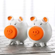 Cute pig shape oem salt & pepper shaker