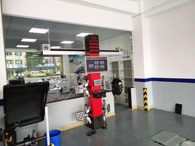 Wheel Alignment for Tire Examine