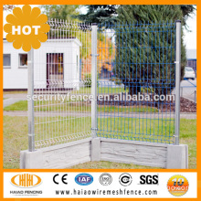 Anping factory popular size 1.8m x 2.4m decorative coated welded wire mesh for fence
