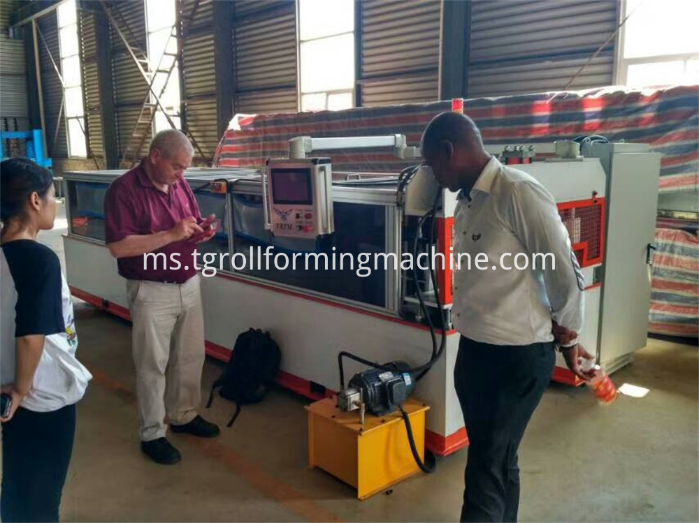 Punching Hole Expanded Metal Mesh Machine