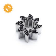 Bolinho de aço inoxidável dos acessórios da cozinha molde do bolo da forma da flor do cortador