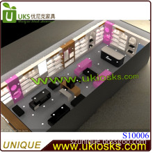 Over Round Clothes Store Design and Customization