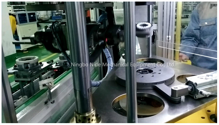 three-working-stator-coil-inserting-machine92