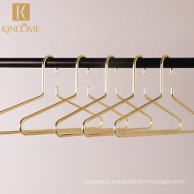 High quality fashion deluxe premium anti theft gold metal wire coat clothes hanger for hotel