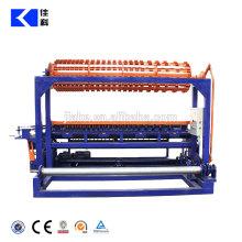 Máquina de tecer malha de cerca de campo de fazenda