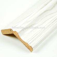 Bastante melamina Papel zócalo de madera molduras de corona CNC torneado de madera