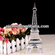 Estatua del edificio de la torre Eiffel de cristal óptico