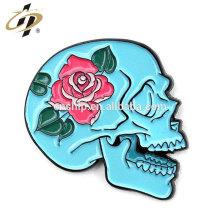 Custom made fashion skull metal safety pin car badge for clothes