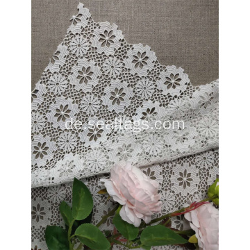 Allover Elastic Lace Fabric von The Yard