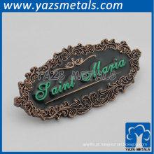 placa de nome de metal