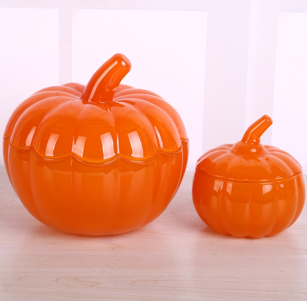 Holloween pumpkin glass jar