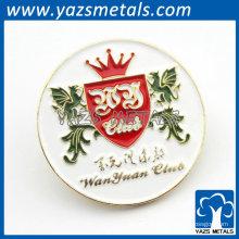 patch bordado com logotipo e coroa de dragão