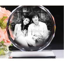 Beaux cadres photo en cristal avec photo pour centre de table de mariage