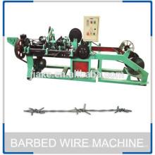 Machine de fabrication de fil barbelé de roulement à haute résistance