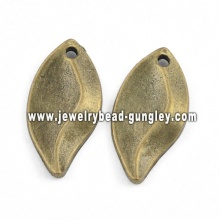 Leaf shape jewelry alloy necklace pendant