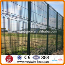 Powder coated welded wire mesh fencing