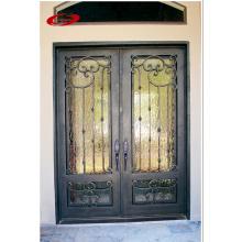 Portas de ferro antigas de luxo