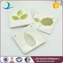 Квадратная форма естественного стиля для украшения с рисунком зеленых листьев