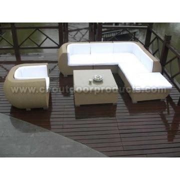 Sofá de mimbre al aire libre