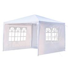 Tenda de acampamento com janela de igreja