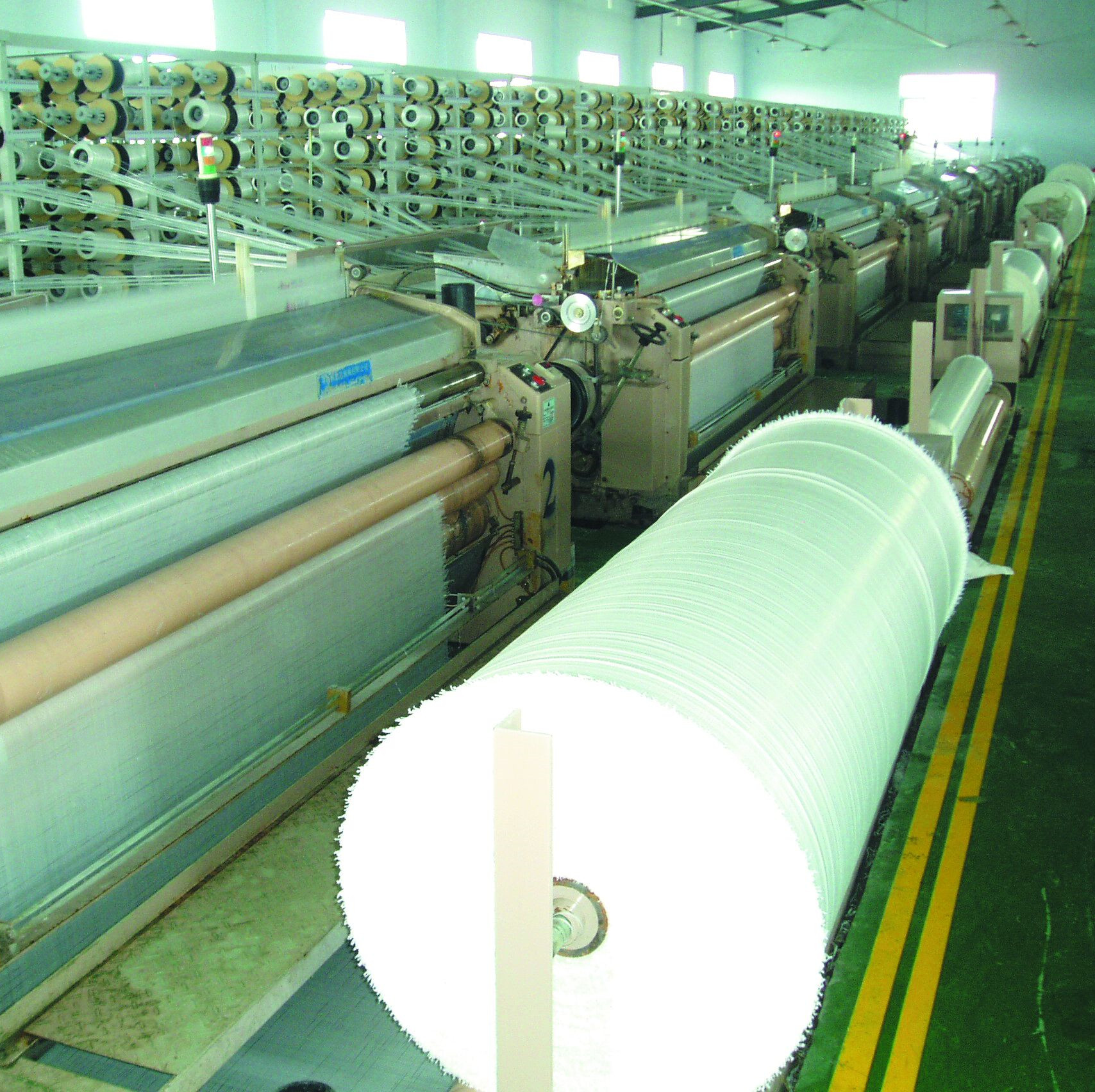 PE tarp weaving machine
