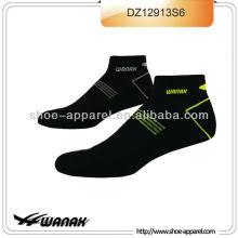 Calcetín de hombre de diseño caliente 2015 China, calcetín de compresión, calcetines de élite