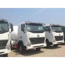 Sinotruk HOWO 6x4 Concrete Mixer Trucks in White , 8 Cubic