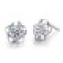 Women′s Fashion 925 Sterling Silver Plum Blossom -Shaped Crystal Earrings