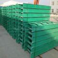 Bandeja de cables para escalera con accesorios en stock