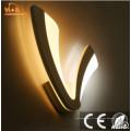 Lampe de mur d'éclairage en forme de v