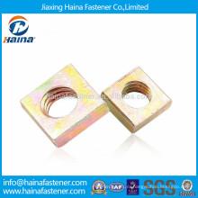 Сделано в Китае углеродистая сталь цвета оцинкованная квадратная гайка