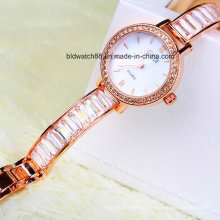 Wholesale Women′s Fashionable Gold Bracelet Watch for Ladies Girls