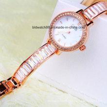 Relógio elegante do bracelete do ouro das mulheres por atacado para meninas das senhoras