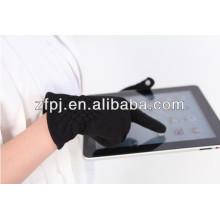 Forme a señora los guantes conductores de plata de los hilos conductores calientes del invierno