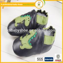 Moda barata bonito padrão animal sapatos de couro para bebês