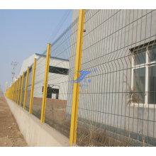 Cerca del poste cuadrado de la fábrica (TS-J33)