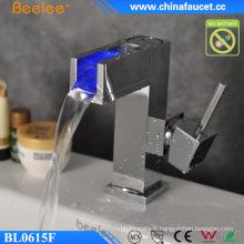 Robinet de bassin à cascade LED à eau