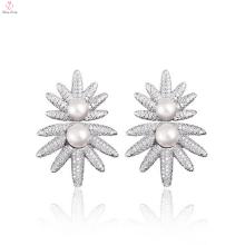 Brincos da pérola da prata esterlina do projeto da flor do sol da forma parafuso prisioneiro