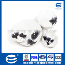 Vajilla estilo cerámica de estilo coupe con pintura de tinta y lavado agradable para el hotel