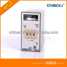 La desviación de la temperatura del E5EM señala el control