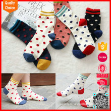 Wholesale China custom thick knitted cute wave point sock