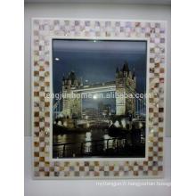 Cadre de photo en mosaïque à la mouche triangulaire et à l'eau douce
