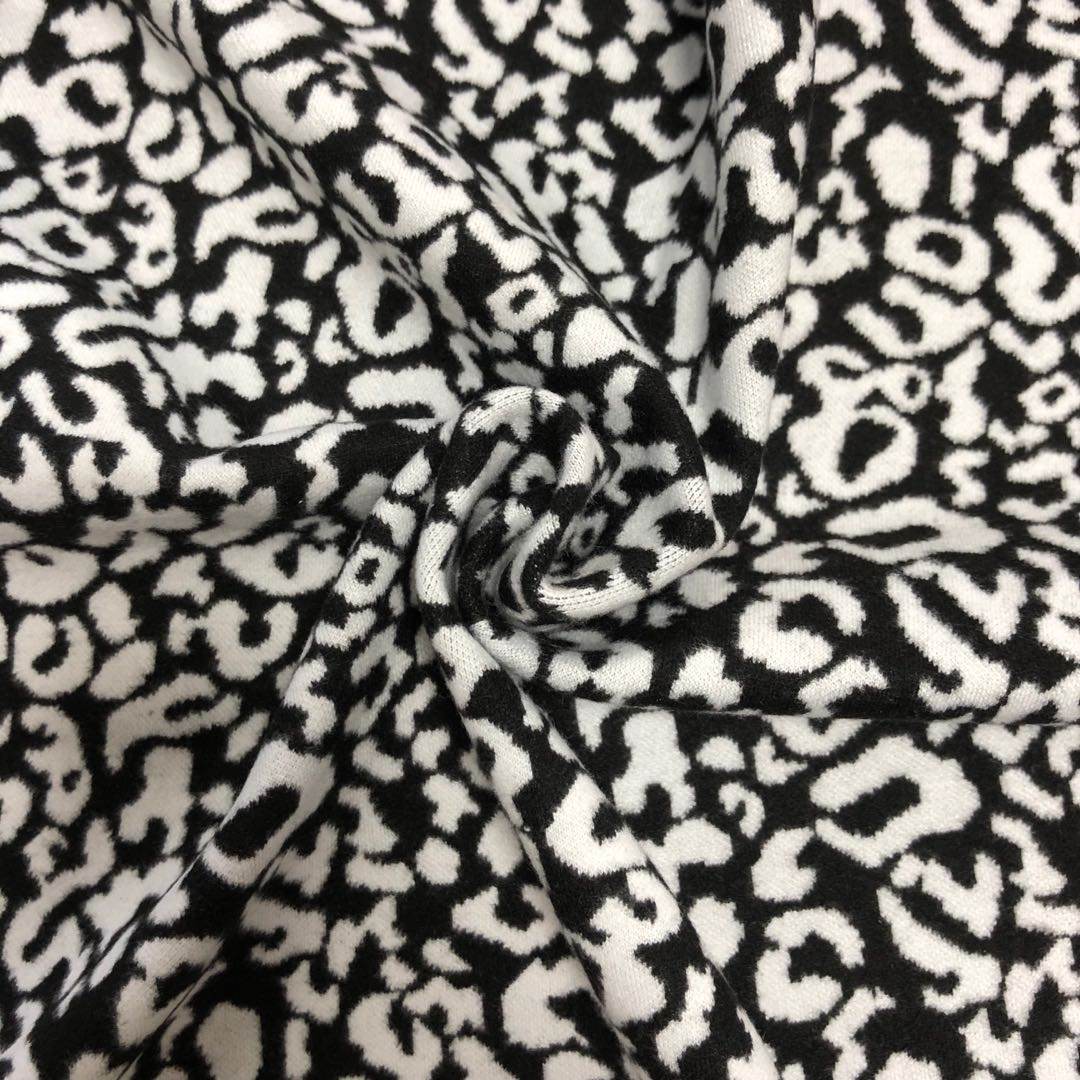 Popular Jacquard Yarn Dyed Knitted Fabric