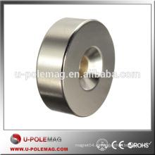 Excavación de 6 mm de agujero de anillo de lazo Disco embutido de tierra rara Neodymium Magnet