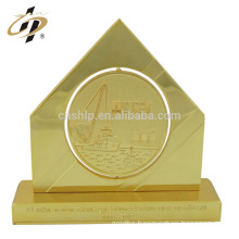 Professional Cheap Customized metal award gold building pyramid shape souvenir trophy cup