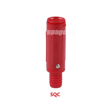 Rote Feuerlöschdüse aus Kunststoff