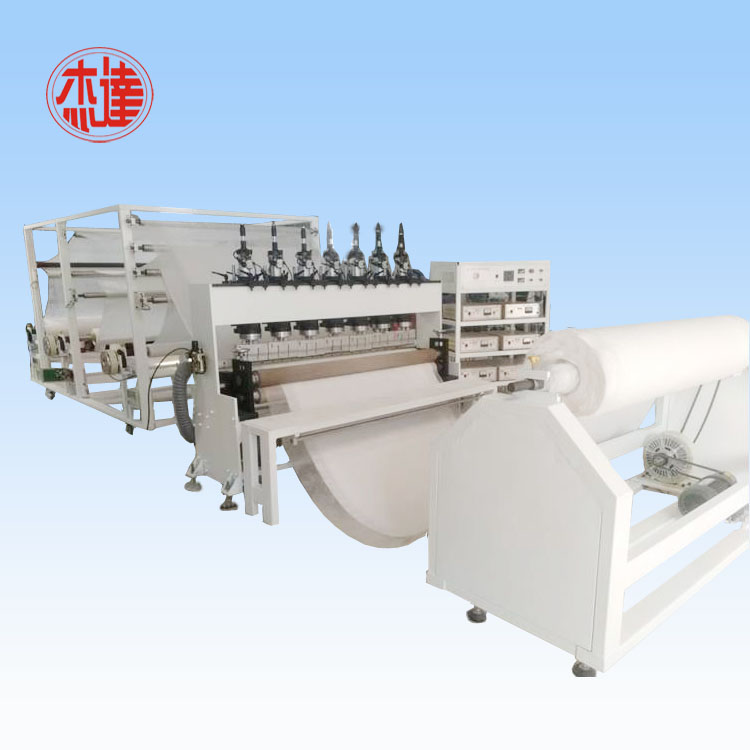 Automatic ultrasonic lamianting diapers machine